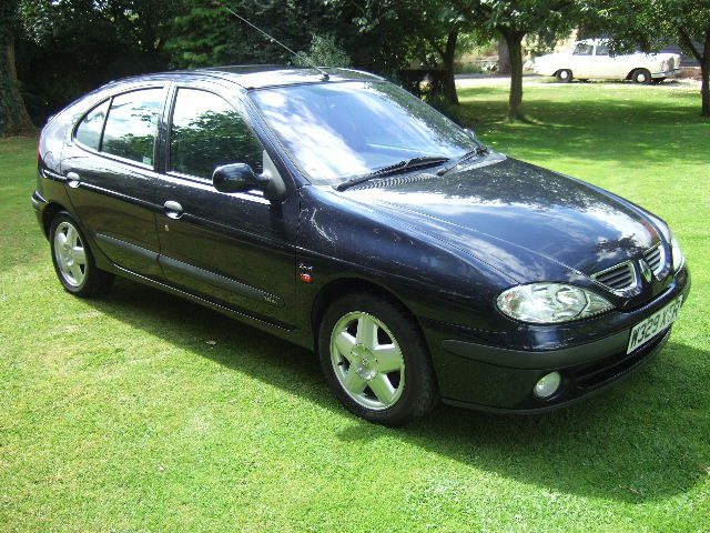 Index of /stock/page3/2000(W) Renault Megane 1.6 16V Sport Alize